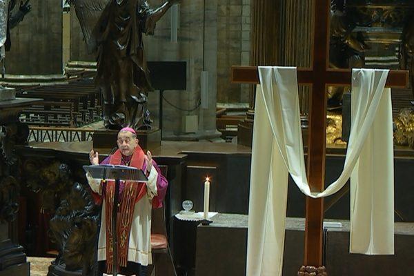 Via Crucis con l'Arcivescovo in diretta tv, radio e web